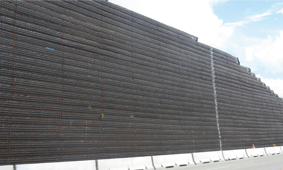 Wire Mesh Facing Retaining Walls