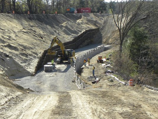 Early Construction of MSE Retaining Wall at Broad Street Parkway