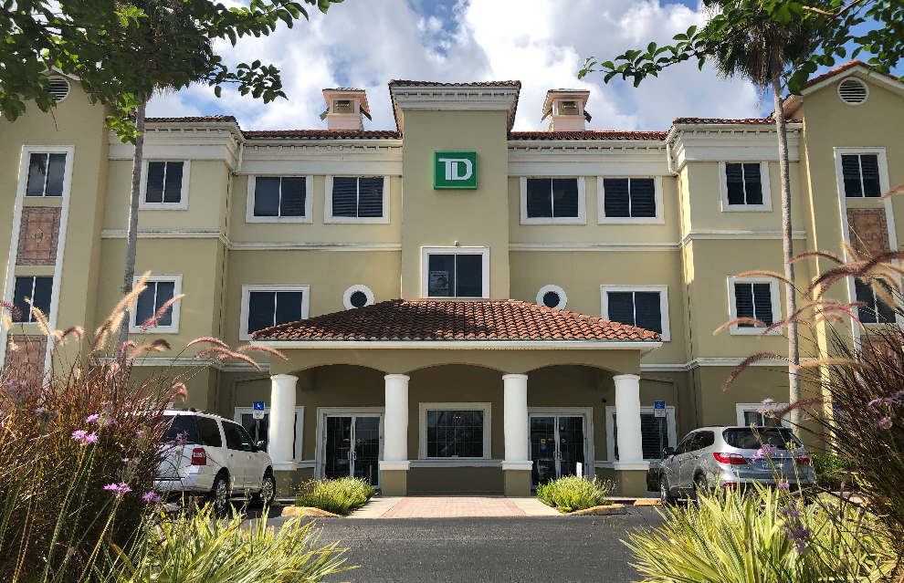 Exterior of RECo Florida Region Office in Winter Garden, FL